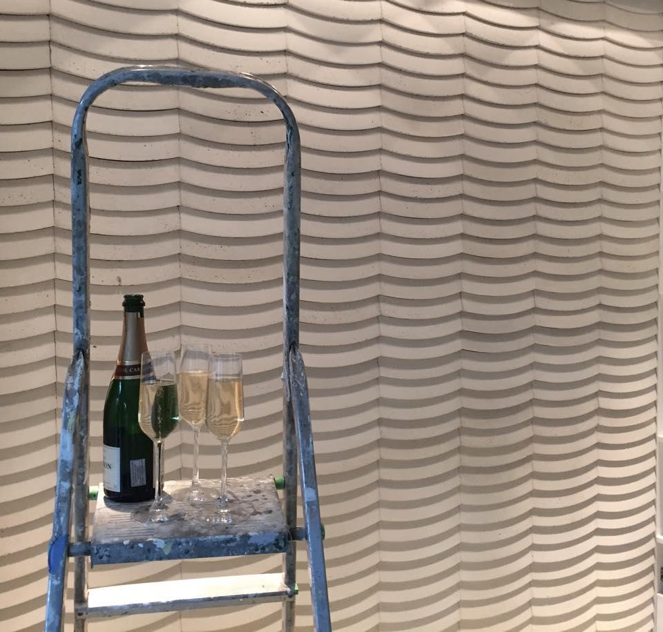 Kafle 3D WAVE z betonu architektonicznego - MILKE - TEKT Concrete - pracownia Plissima