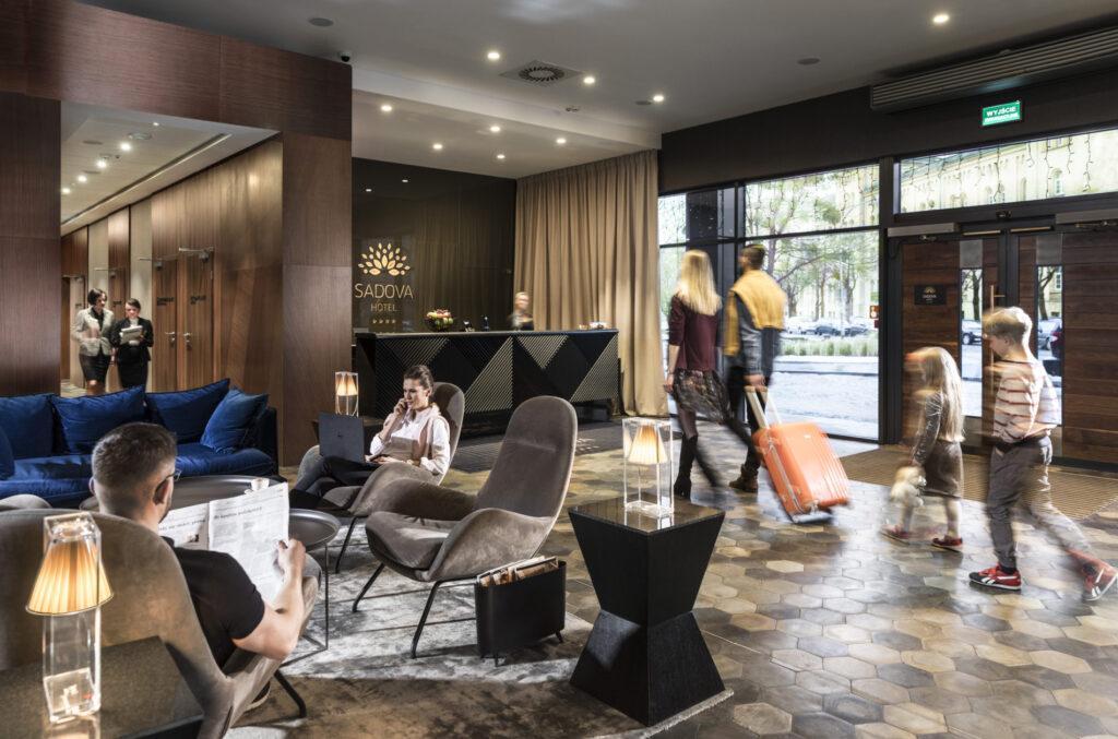 Kafle 3D HONEY BEE P z betonu architektonicznego - MILKE - TEKT Concrete - podłoga Hotel Sadova