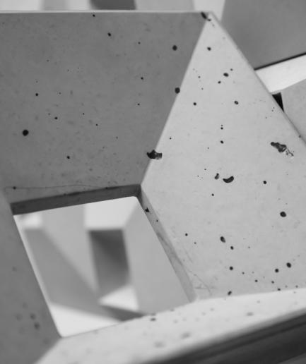 BLOCK 1 - linia TEKT Concrete - MILKE - kafel